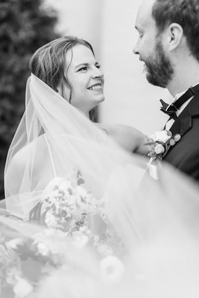 433_Ryan+Hannah_WeddingBW.jpg