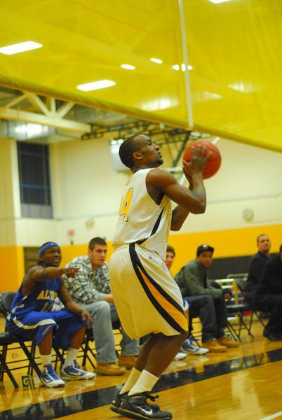 20100211_MCC Basketball_0414.JPG