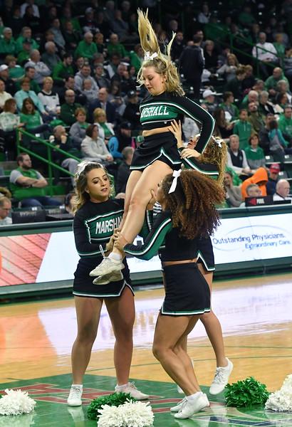 cheerleaders1311.jpg