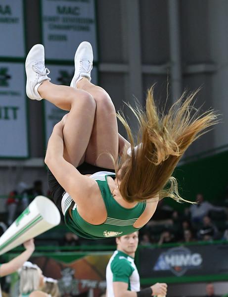 cheerleaders3299.jpg