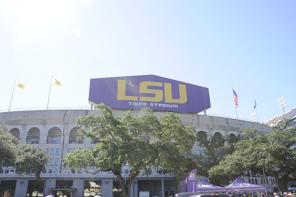 LSU Football vs Kentucky