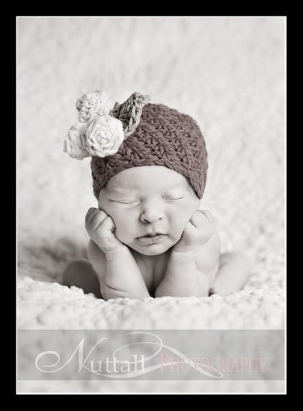 Clara Newborn 42.jpg