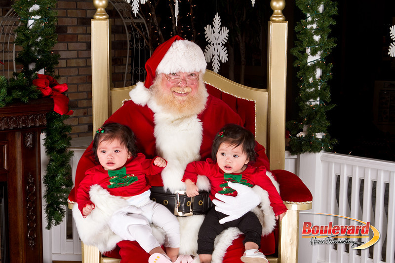 Santa Dec 8-164.jpg