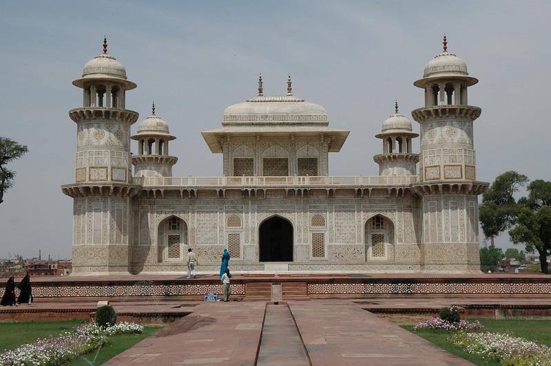 Agra: Tomb of Itmad-ud-Daulah