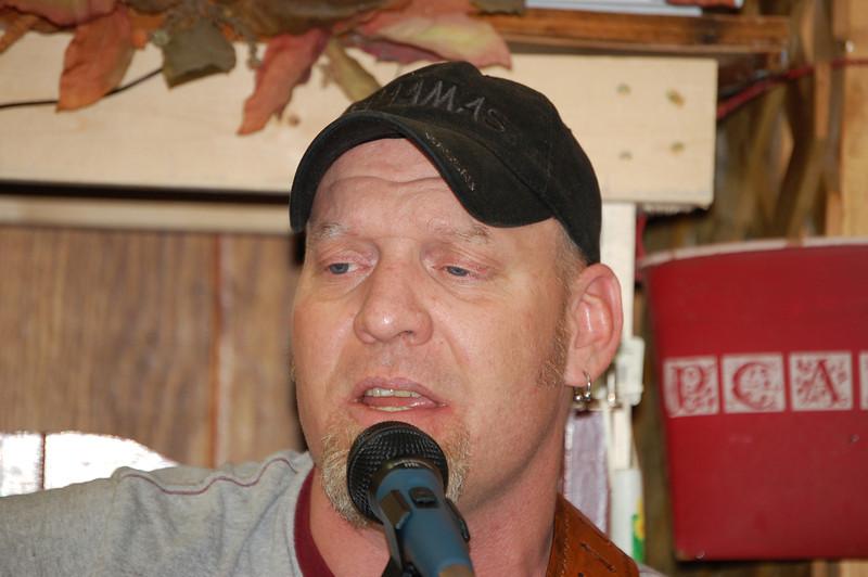 Steve Sings at Choe's
