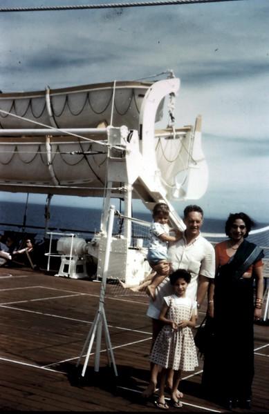 1958-12 (2) The DeLamberts on board Strathaird.JPG