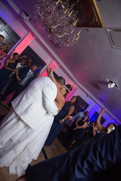 MER__0874_tonya_josh_new jerrsey wedding photography.jpg