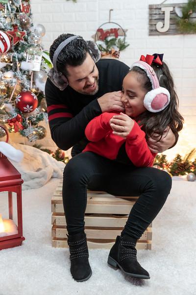 12.18.19 - Vick's Christmas Photo Session 2019 - -23.jpg