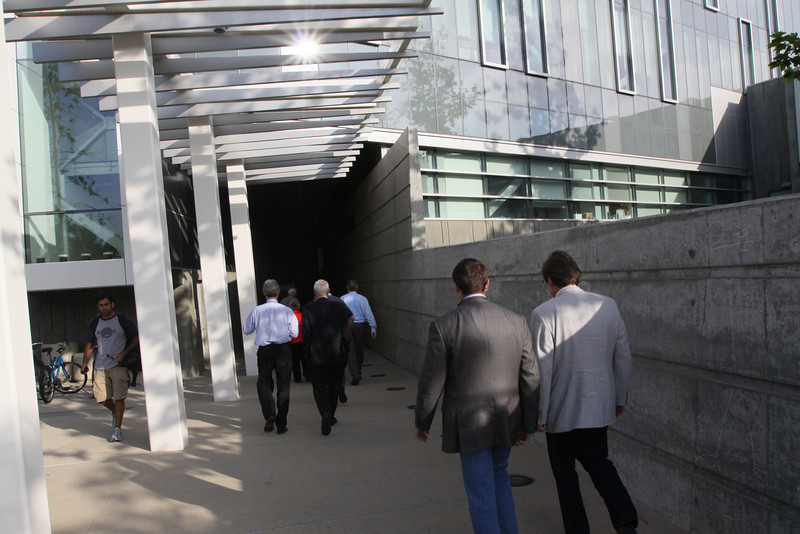 """FiRe-goers arrive at the Next-Generation Visualization and Networking Facilities (the """"FiRe Lab""""), UCSD"""
