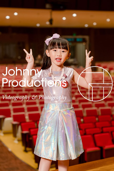 0044_day 1_orange & green shield portraits_red show 2019_johnnyproductions.jpg