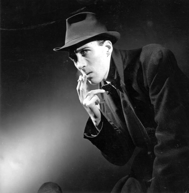 . 1948:  Christopher Lee (1922 - ), the  British horror actor in a staged photograph.  (Photo by Baron/Getty Images)