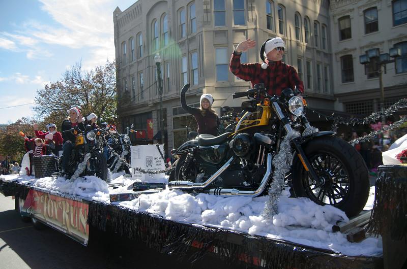 22015 Asheville Holiday's Parade_207.JPG