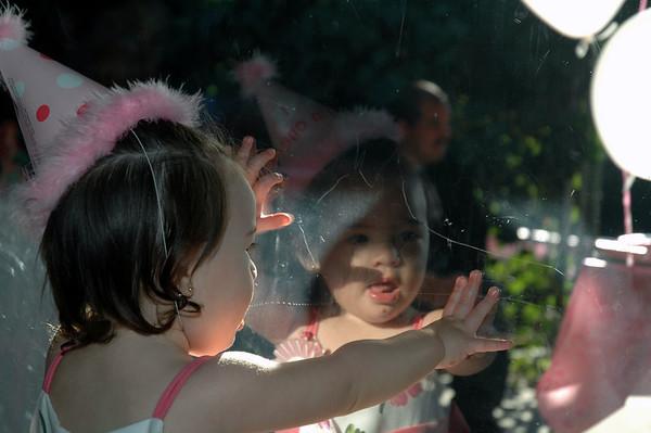 2005/11/12 - Isabella's 1st Birthday