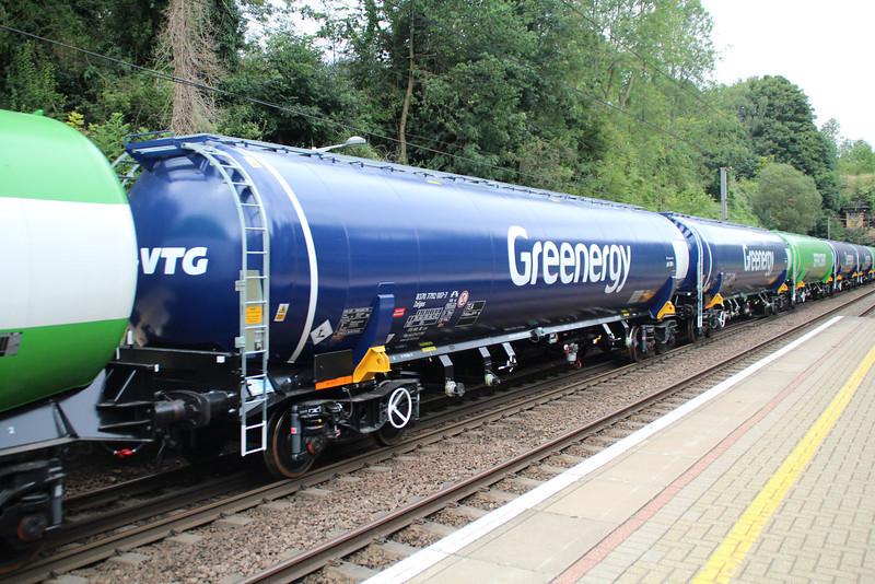 New GBRF TEA 83.70.7792007-7 on 6E92 Acton Lane-Immingham passes Welwyn North 23/08/12.