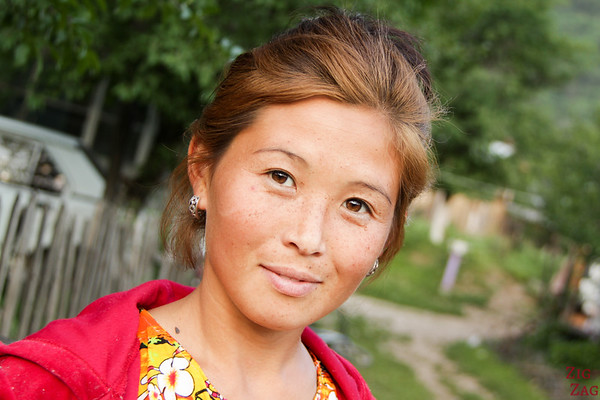 Portrait Kyrgyzstan: woman with freckles
