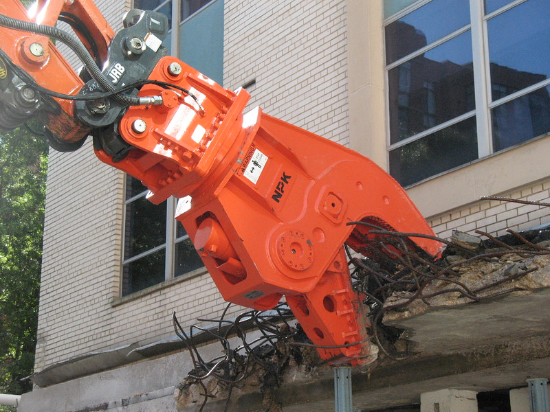 NPK U21JR concrete pulverizer on Hitachi excavator-commercial demolition (10).JPG