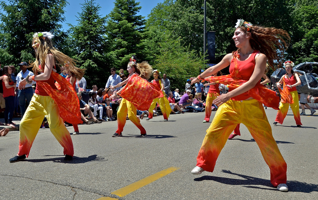 """. Jeff Forman/JForman@News-Herald.com Fairmount Dance Theatre Company performs \""""Passage\"""" during the Cleveland Museum of Art 25th annual Parade the Circle June 14 in University Circle."""