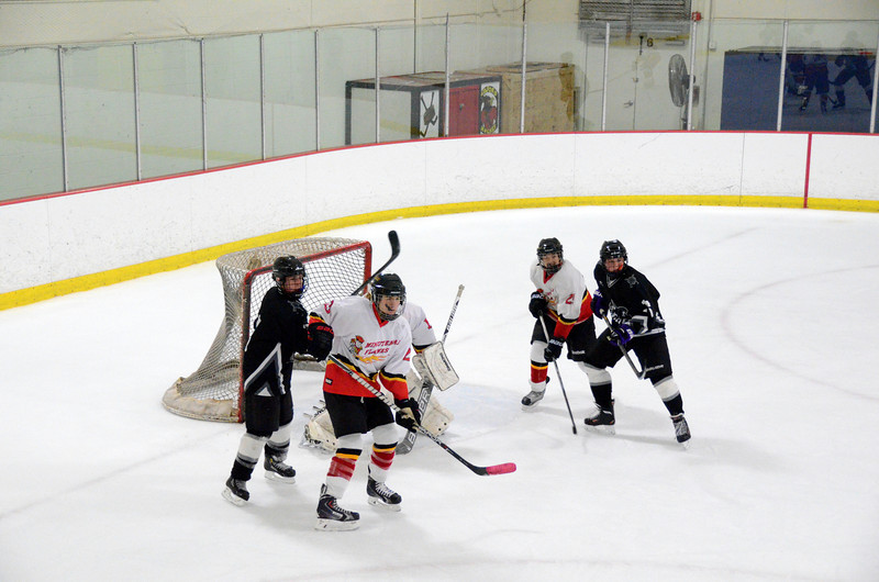 131009 Flames Hockey-066.JPG