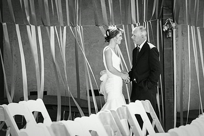Mindy & Teyler - First Looks & Romance