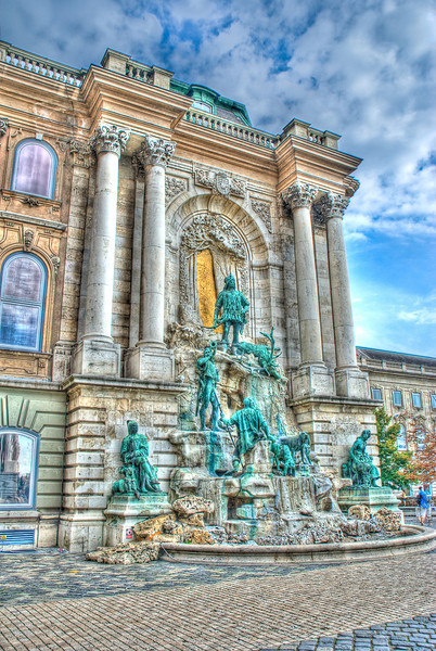 Matthias Fountain at the Royal Palace. HDR: combination of the grunge version with the normal sky, to make it look a bit more realistic. This is my favorite of the 3.