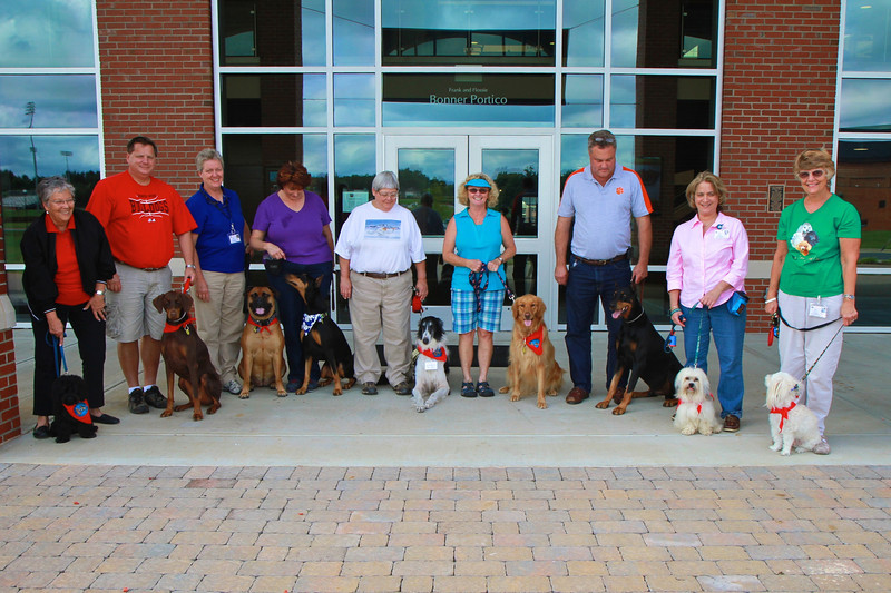 20130818_therapydogs_MH022.jpg