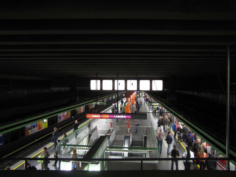 60-Metro Platforms at KarlsPlatz