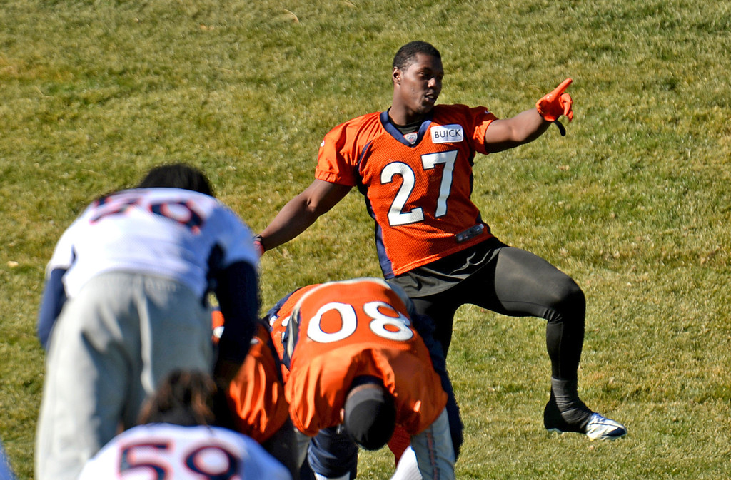 . Denver Broncos Knowshon Moreno (27)  warming up for the team practice at Dove Valley practice field, Englewood, Colorado, November 15, 2013. (Photo by Hyoung Chang/The Denver Post)
