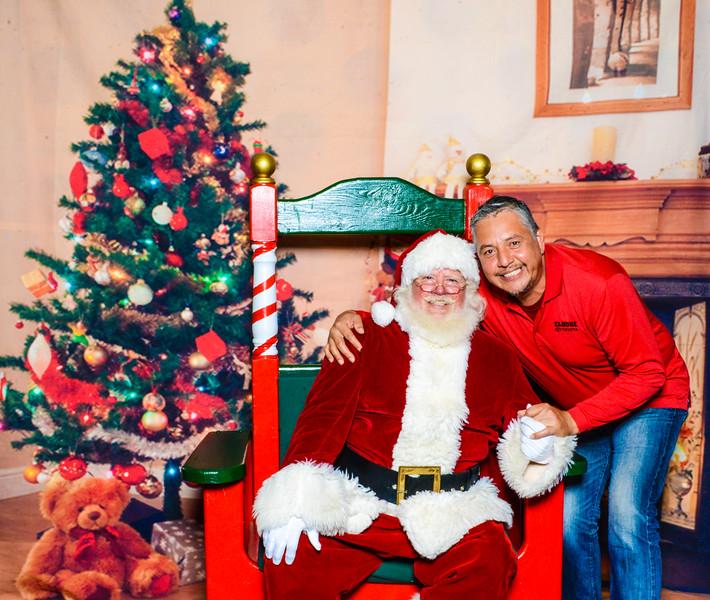 Santa Elmore 2016-12137.jpg