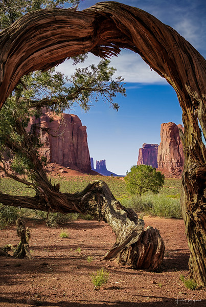 Monument Valley Arch