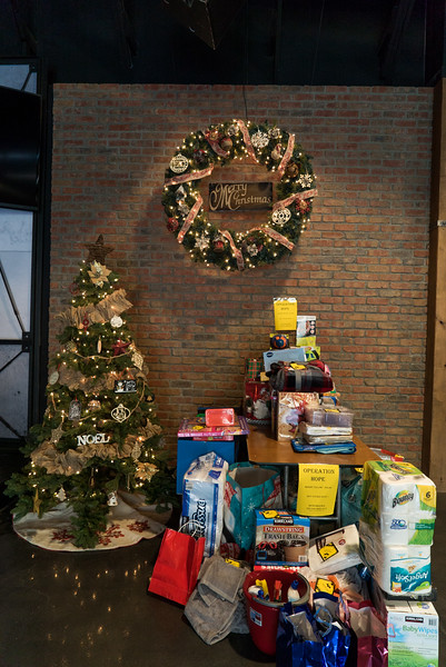 ChristmasOutreach-00342.jpg
