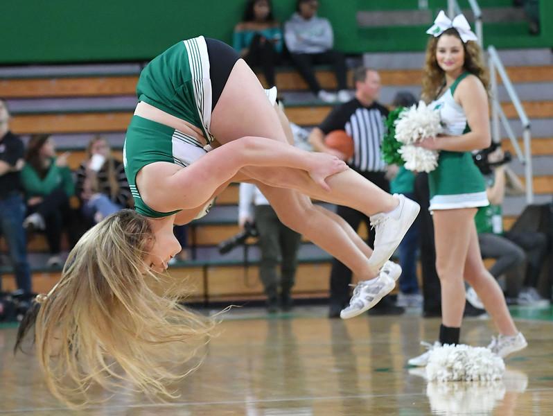 cheerleaders3235.jpg