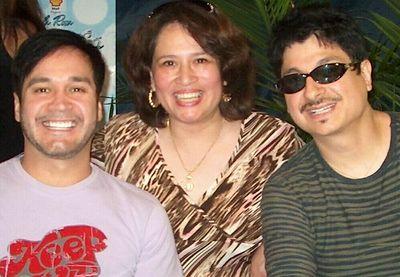 La Art Teacher's photos of La Mafia's autograph signing at Fiesta in Houston on 6-16-2005