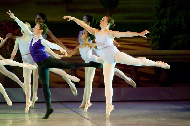 livie_dance_051714_17.jpg