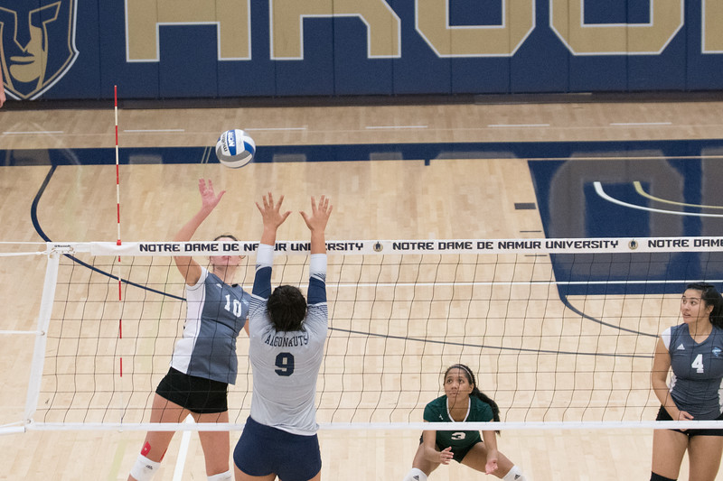 HPU Volleyball-92407.jpg