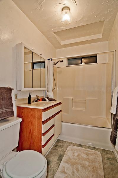 bathroom bottom flr.jpg