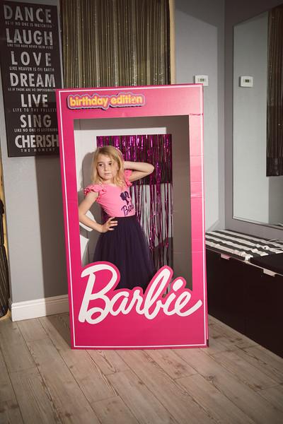 2020-0104-delaney-barbie-party-6.jpg