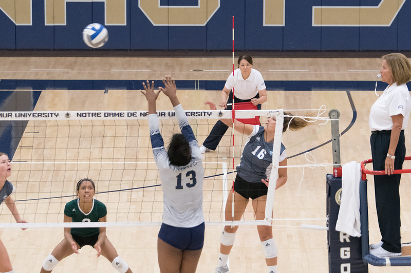 HPU Volleyball-92301.jpg