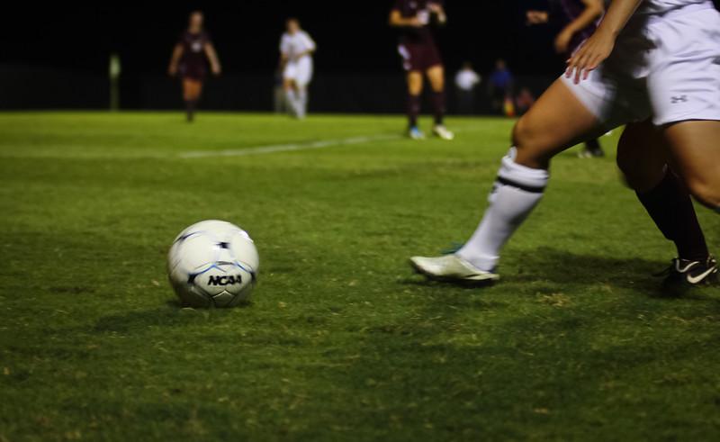 W. Soccer vs. Winthrop_09-27-2011_-85.jpg