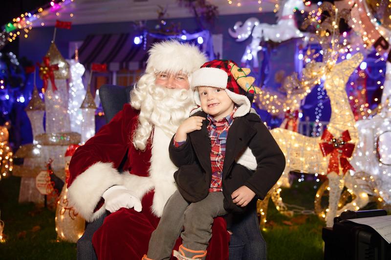 12-08-19-Christmas With Chris & Family-51.jpg