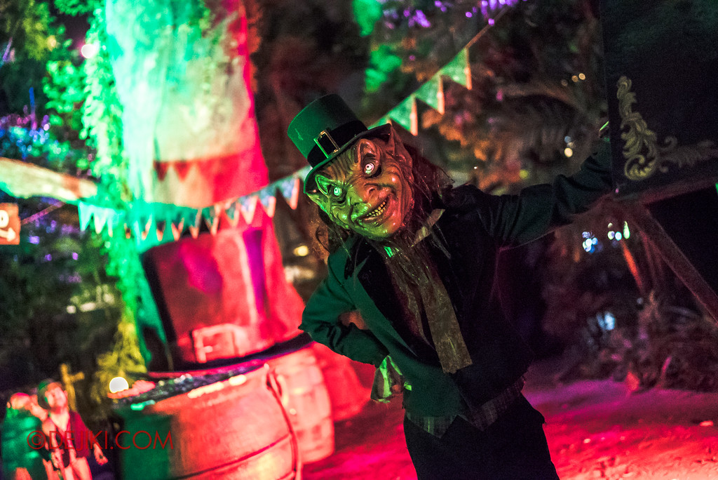 Halloween Horror Nights 7 - Happy Horror Days scare zone / Tall Leprechaun