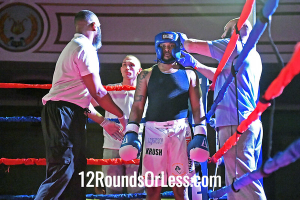 Bout 5:  John McGinnis, Blue Gloves, Old School Iron Gym, Cleveland, OH  vs  Fredrick Brown, Red Gloves, Independent, Louisville, KY,  201 Lbs. Masters (35+)
