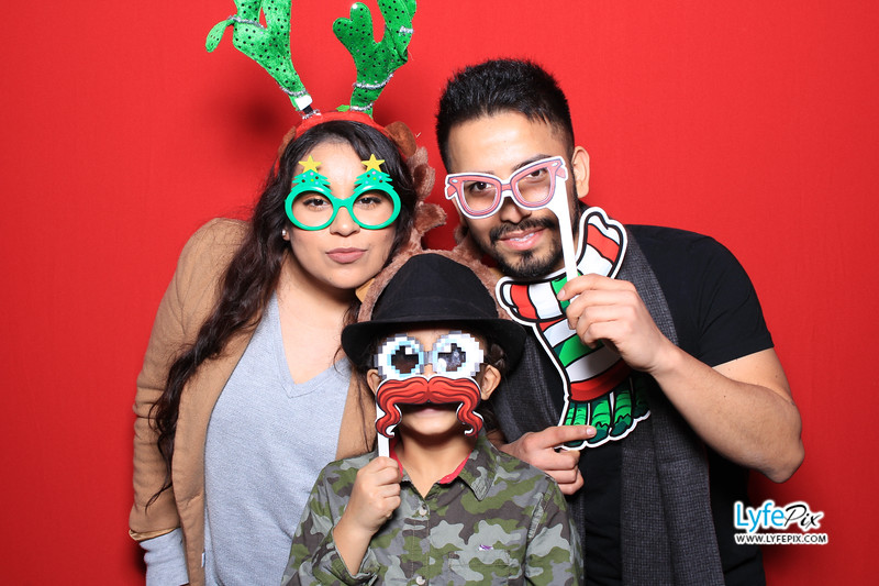 eastern-2018-holiday-party-sterling-virginia-photo-booth-0174.jpg