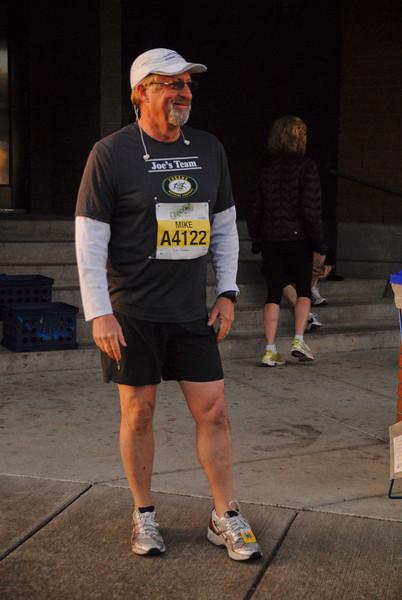 Joe's Team_EugeneMarathon2011_1.jpg