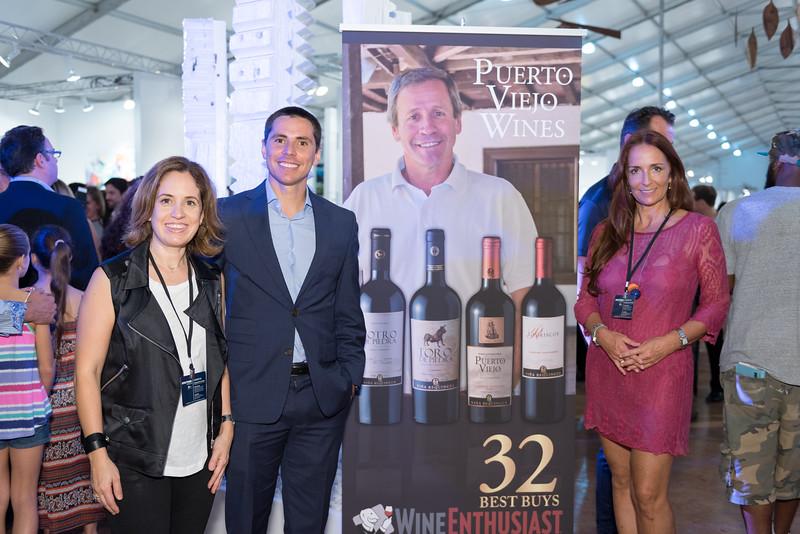 Laura Villarreal, Cristóbal Toral, Isabel Brinck