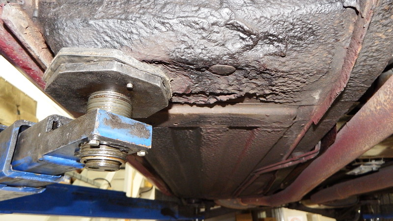 Surface rust to floorpan and sill seam