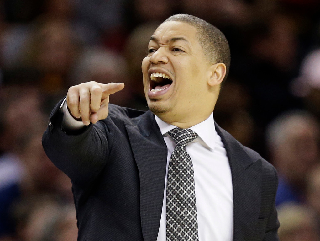 . Cleveland Cavaliers head coach Tyronn Lue yells to players in the first half of an NBA basketball game against the New Orleans Pelicans, Monday, Jan. 2, 2017, in Cleveland. The Cavaliers won 90-82. (AP Photo/Tony Dejak)