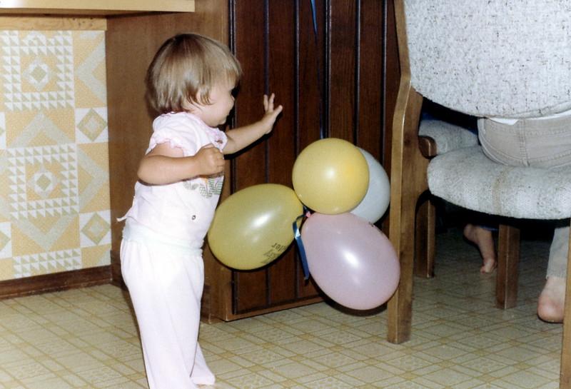 121183-ALB-1982-12-072.jpg