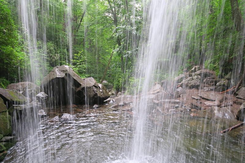 Grotto Falls (3.0 miles; d=4.16)