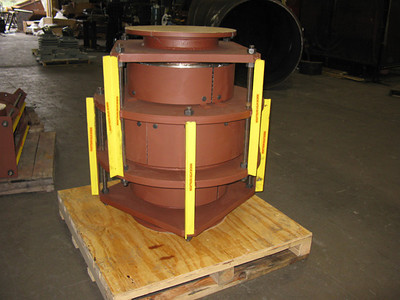 Inline pressure balanced expansion joint