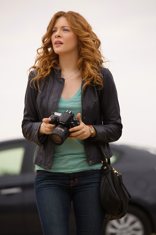 . Pilot - Julia Shumway (Rachelle Lefevre) and the residents of Chester\'s Mill find themselves suddenly and inexplicably sealed off from the rest of the world by a massive transparent dome, on UNDER THE DOME premiering Monday, June 24 (10:00-11:00 PM, ET/PT) on the CBS Television Network.   UNDER THE DOME is based on Stephen King\'s bestselling novel.  Photo: Michael Tackett/©2013 CBS Broadcasting Inc. All Rights Reserved.